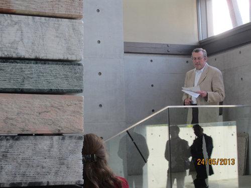Sven Schalenberg spricht zur Ausstellung von Detlef Böhmer